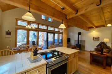 Riverside Three-Bedroom Kitchen Island