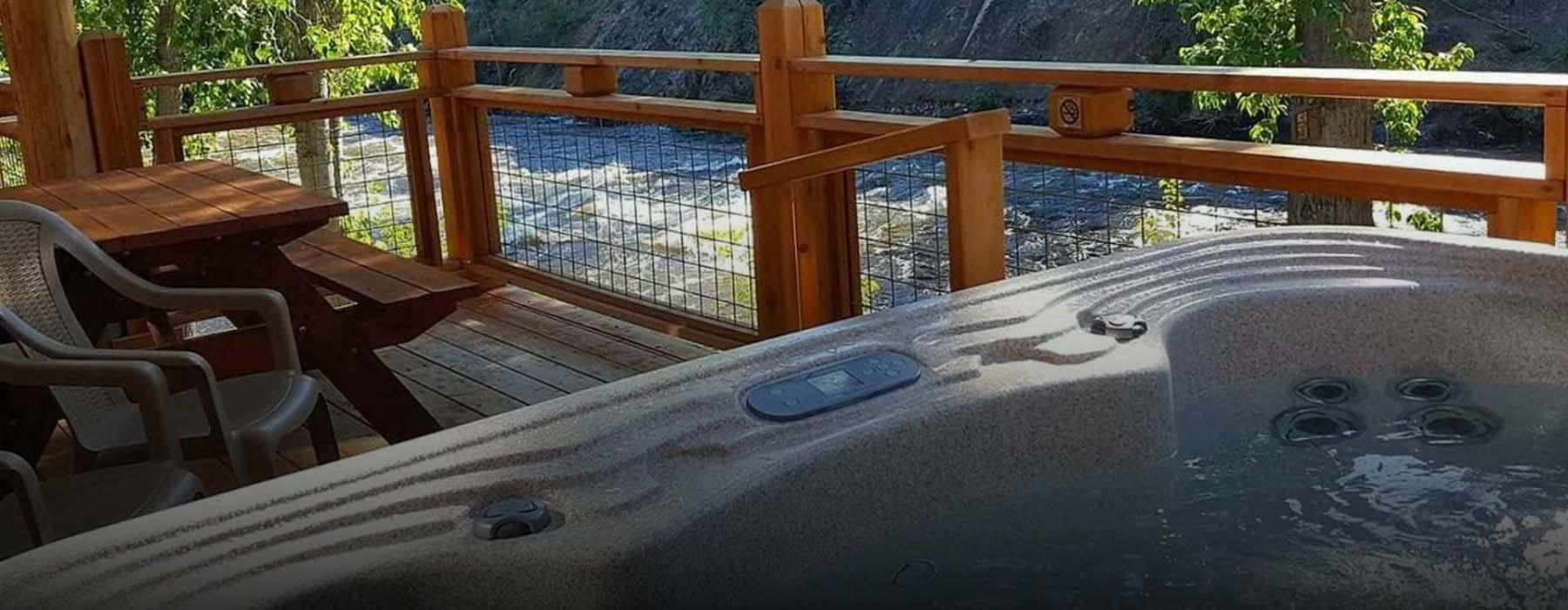 Hot Tub at River's Edge Resort